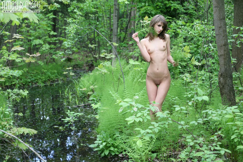 sexy women camouflage naked