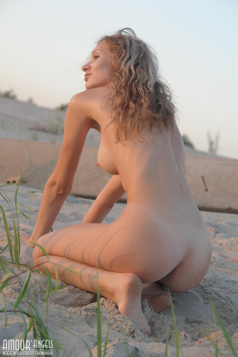 beautiful virgin nude babe